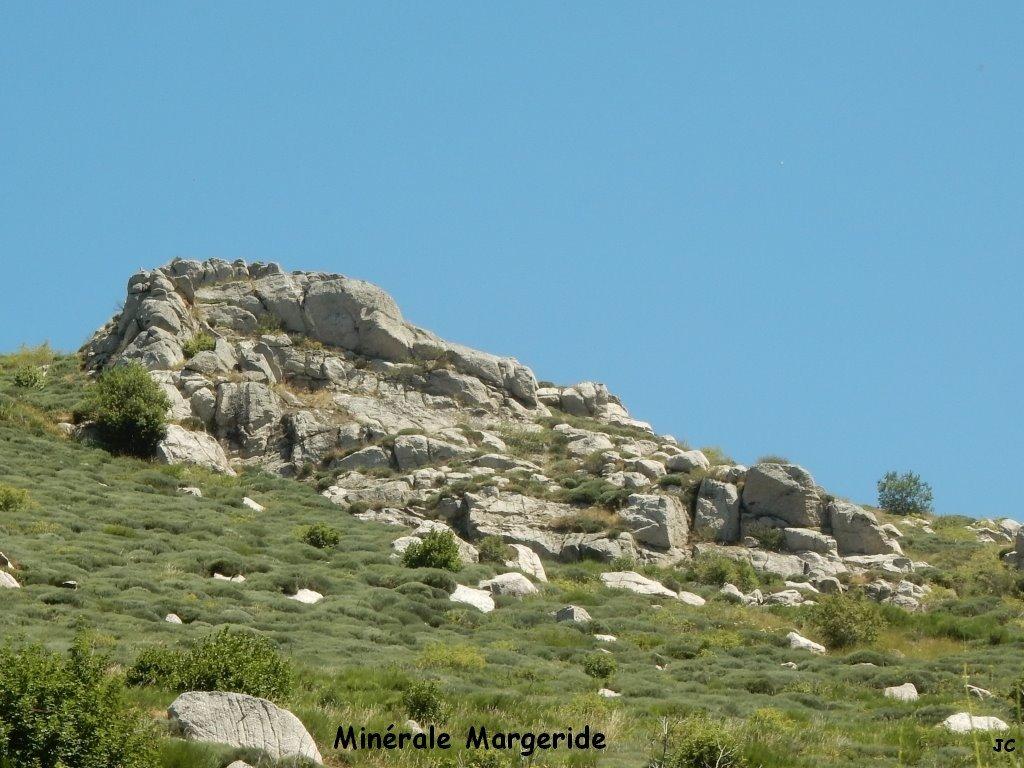Margeride minérale au dessus de Charpal